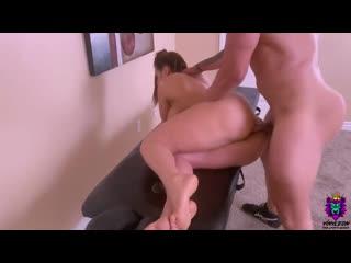 Пришла на массаж и была оттрахана в пизду порно, ебля, инцест, минет, трах,секс,измена