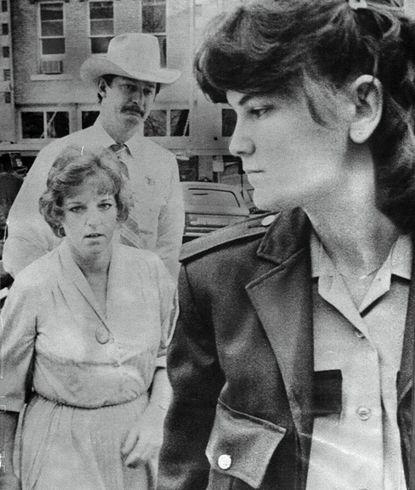 Детская медсестра по прозвищу Ангел смерти. Сан-Антонио/Керрвилл (штат Техас, США), 1977 1982 годы. Все детство Дженн Джонс провела в приемной семье ее новым папой стал владелец одного из