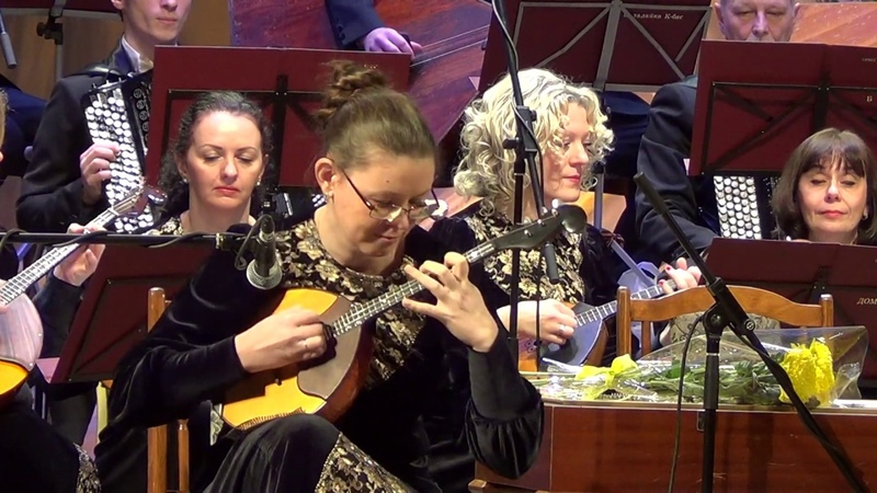 Первая часть эстрадного концерта для домры Анастасия Чекменёва
