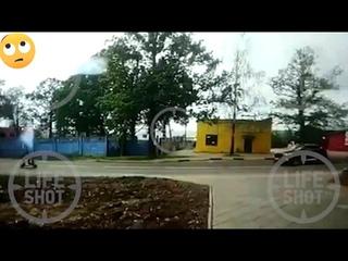 Момент смертельного ДТП с самокатом в подмосковных Химках, которое случилась накануне.