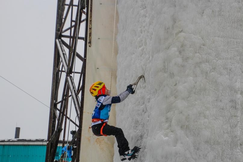 Главные отечественные ледолазные старты сезона финишировали в городе Кирове в минувшие выходные – чемпионат и первенство России по альпинизму. Всем было что доказывать и что терять…, изображение №25