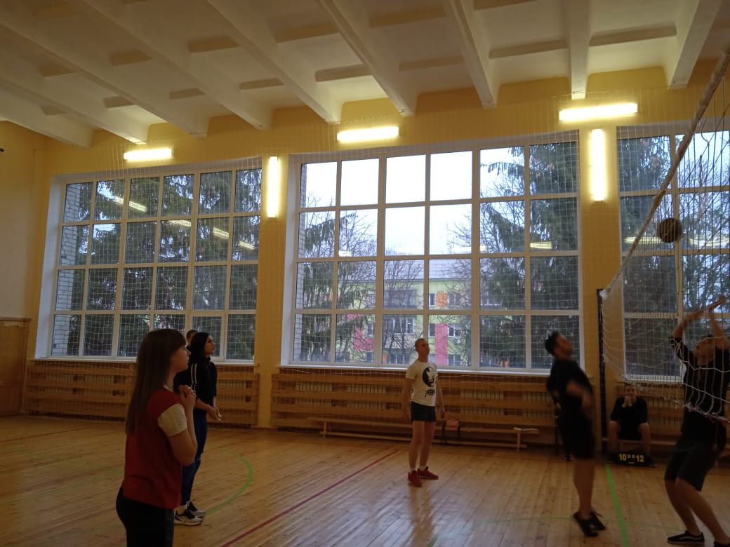 соревнования среди 2 курсов по волейболу-2020