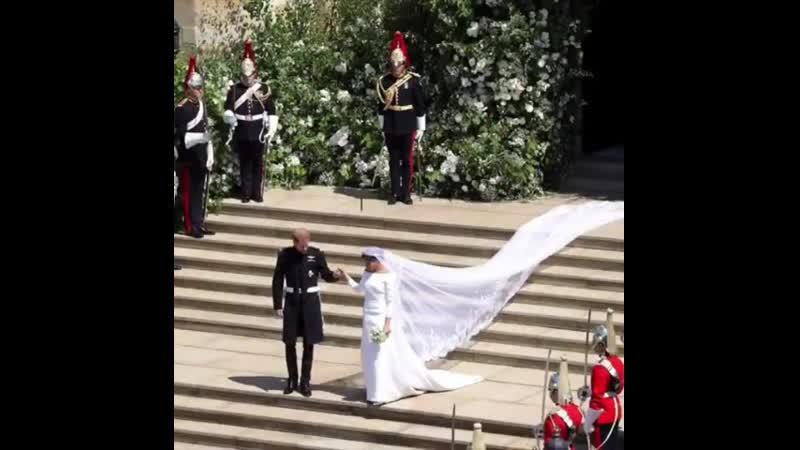 Меган Маркл и принц Гарри показали ролик из свадебных фото