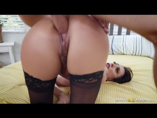 Mother Daughter Mix Up | Ariella Ferrera | Brazzers