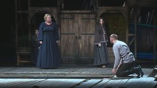 НЭТ открыл театральный сезон премьерой спектакля «Гроза»