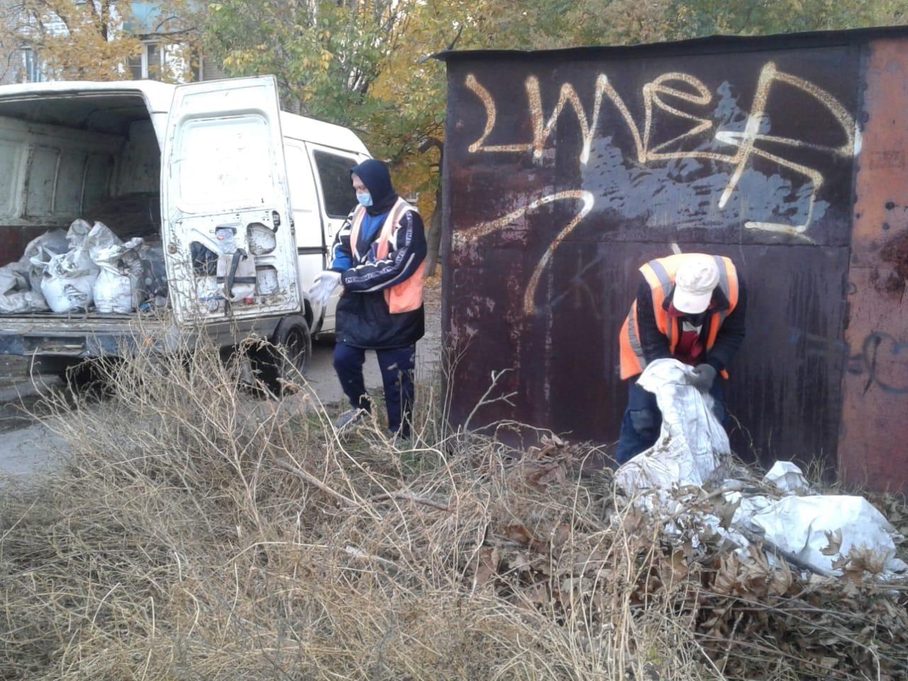 МКУ «Благоустройство»: В Таганроге продолжаются мероприятия по уборке городской территории