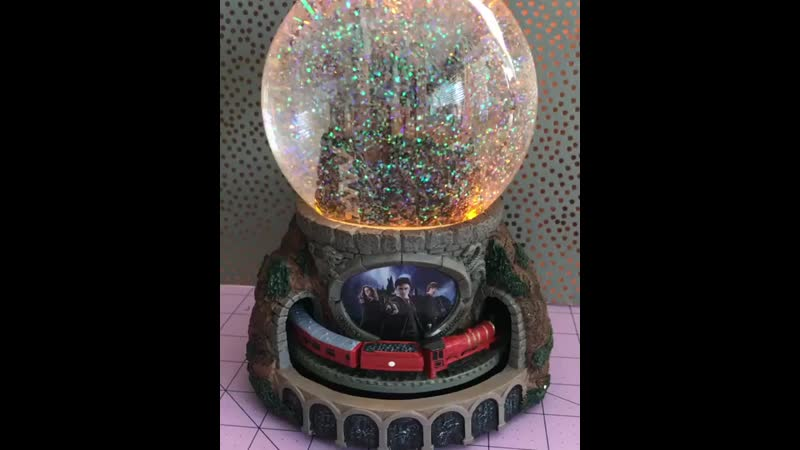 Hogwarts Express Illuminated Musical Globe With Moving Train.mp4