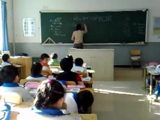 Русская училка ведёт урок английского в китайской