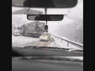 Снегопад на трассе