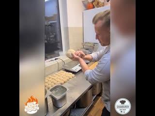 По итогу 800 котлет 🤘😎..#шефжарит #шамбуров  #cook #cooking  #foodgram #ресторан #shamburov #shefzharit #dish #chefs #chef #
