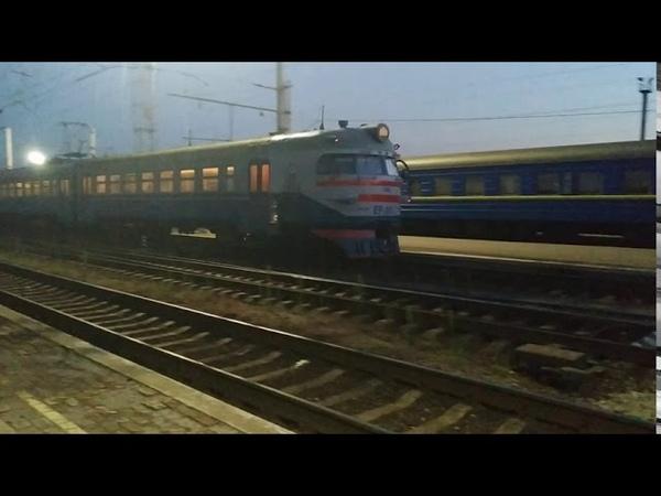 Отправление электрички ЭР1 - 224207 на Пришиб с первого пути ст. Запорожье 1 и ЧС7 - 116 резервом
