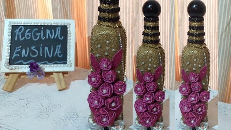 Garrafa Dourada com Flores de EVA!
