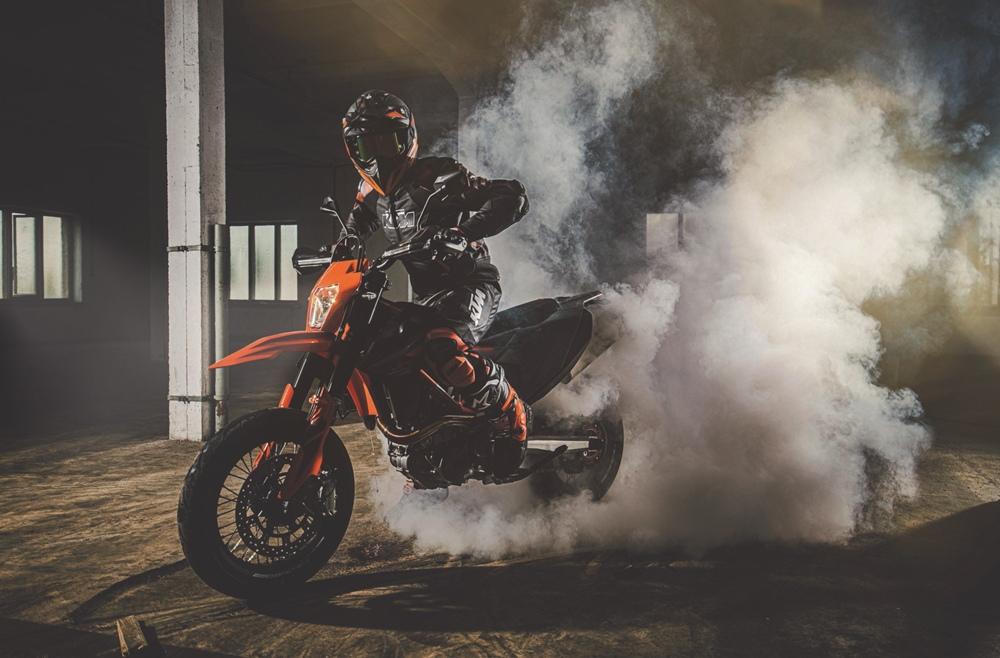 Новые расцветки KTM 690 Supermoto/Enduro