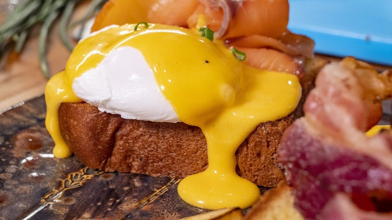 Завтрак Королей Яйца Бенедикт с голландским соусом