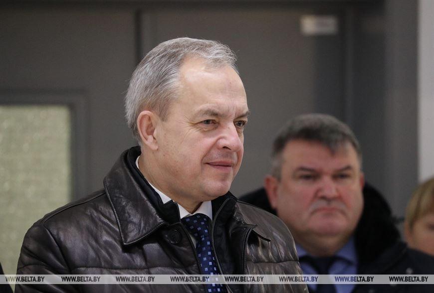 В Администрации Президента предупредили руководителей о жестком спросе в случае падения зарплат у бюджетников