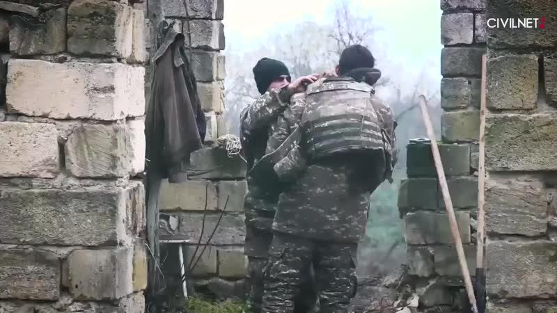 Российский флаг защищает позиции армян под Тагавардом