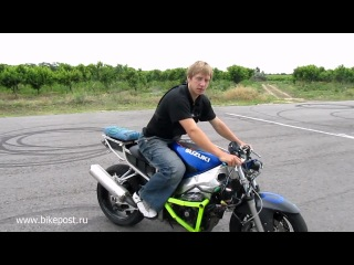 Экстренное торможение на мотоцикле. Мотоциклы и мотоциклисты | Yamaha | Ktm | Honda | Suzuki | Ducati | Bmw | Kawasaki | Стантрайдинг | Трюки | Слет | Дрифт | Прохват | Дтп | Прикол | Мото | Гонки | Драг |
