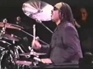 Stevie Wonder playing a drum solo! Incredible!