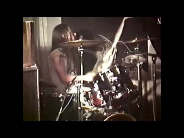 Nirvana - 1989-11-20 - [Full Show] - Kapu - Linz, Austria - [2-Cam Mix/Deshaked/Tweaks]