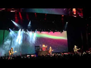 Irresistible - Fall Out Boy (Boys of Zummer Tour) Mansfield, MA