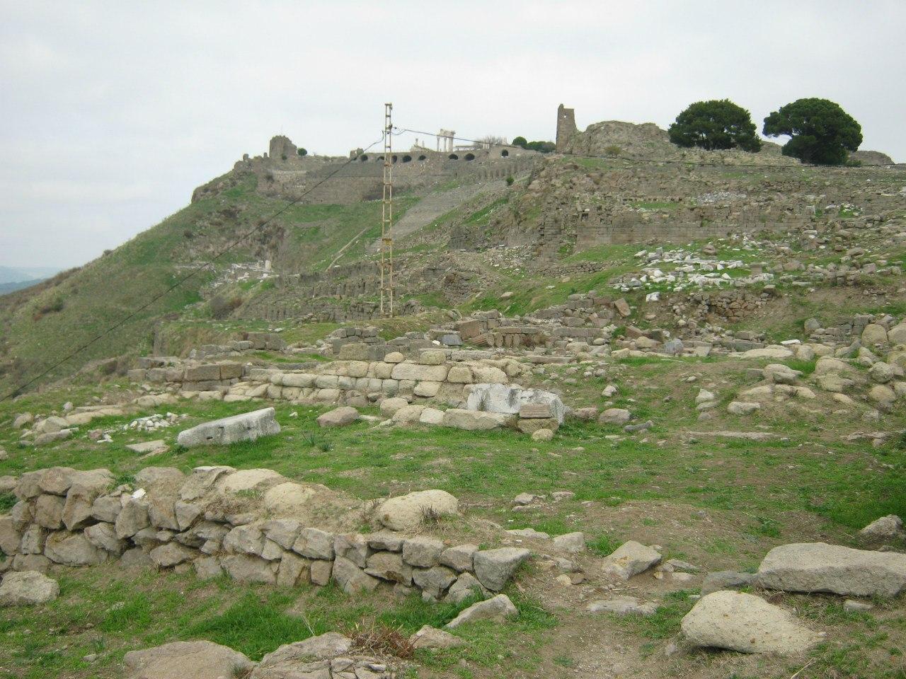 Часть древнегреческого города Пергамон с древними сокровищами