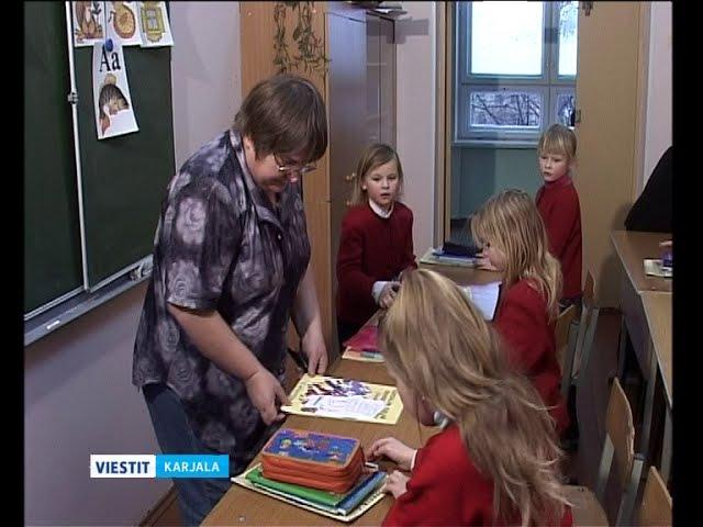 Karjalan kouluihin lisää kansallisen kirjallisuuden oppitunteja
