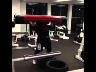 Жидрунас Савицкас  (Литва), бревно - 210 кг,  начало подготовки на АК в Бразилии !
