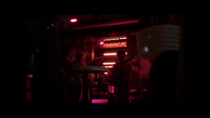 Хроники Края - Miayn ko srtin / 12.05.17. / Miles Bar