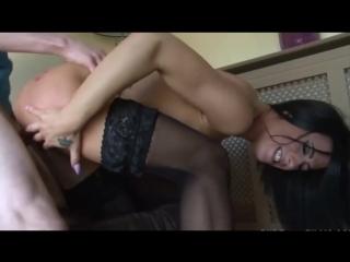 X-Art (18+) Шикарная брюнетка занимается сексом с мальчиком по вызову