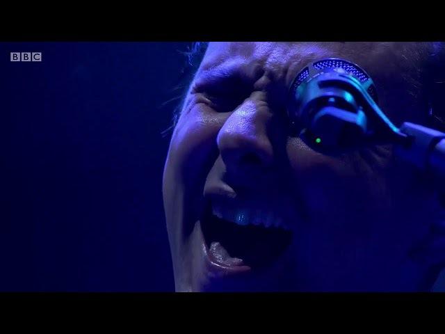 Muse Showbiz Ashamed Outro Live Reading Festival 2017