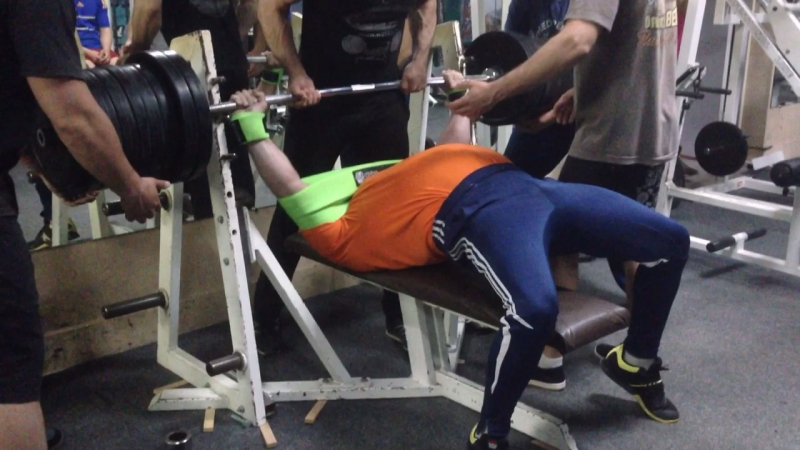 300 кг Лелекин Николай