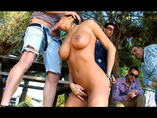 Culioneros anissa kate fucking a hot french chick in public sexo en publico [hd 720p]