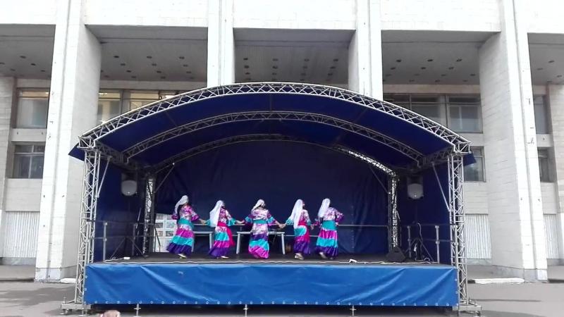 26 августа. Группа Шеламовой Тамары с танцем Фалляхи на дне открытых дверей Авангарда.