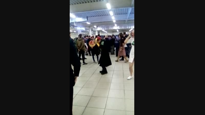 Локи танцует 2