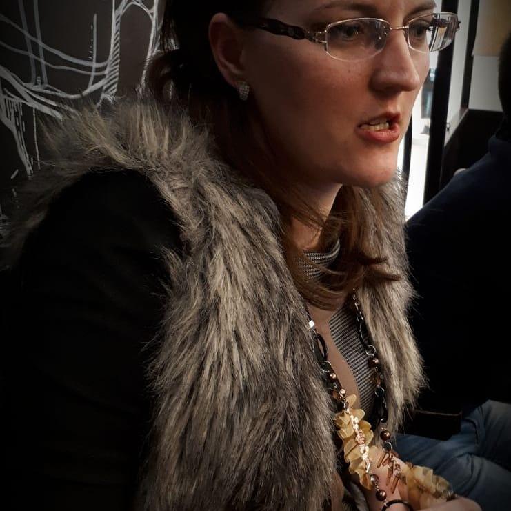клинцов довезут, фото депутата юрия мамонова самом начале это