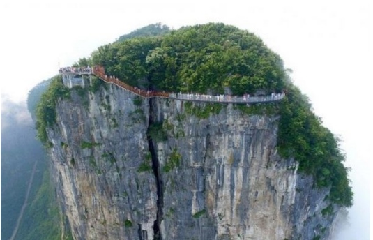 В Китае открыли третий стеклянный мост