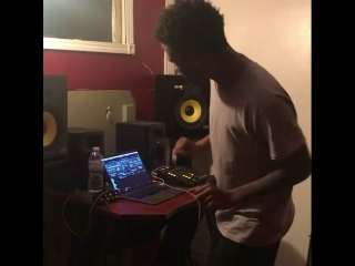 """Rj lamont remakes """"trap or die"""" beat"""