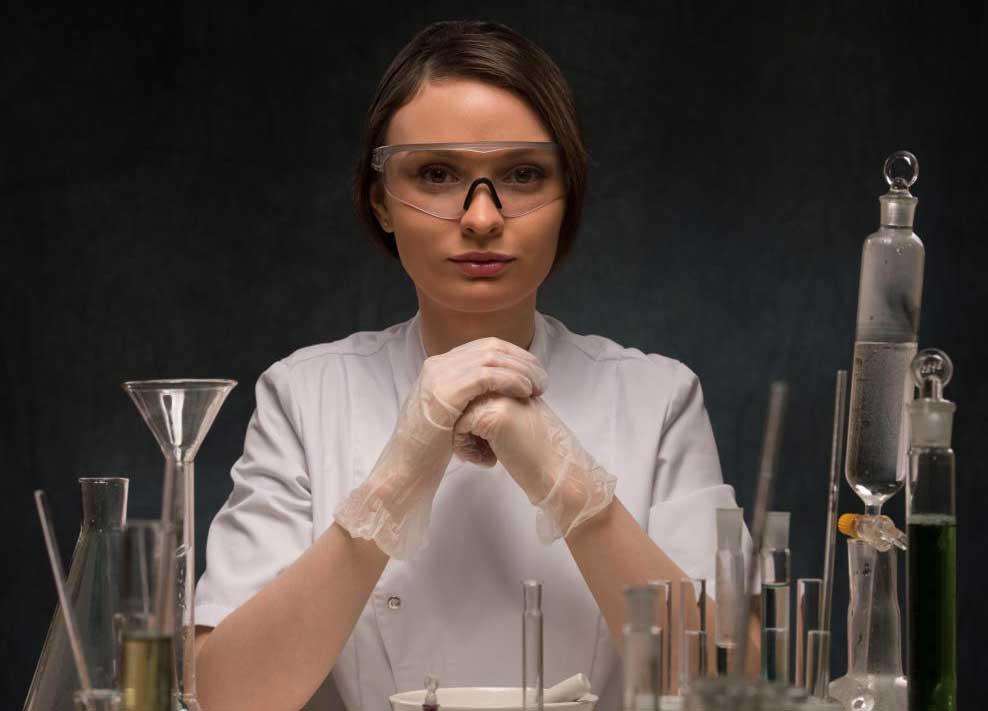 Химики могут использовать технологию ЯМР для изучения химического и структурного состава образцов.