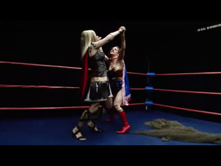 Wonder woman vs womens roman (handicap 2 on 1)