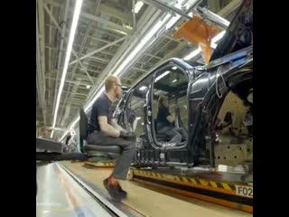 Кому интересно в крациях как собирают BMW X7