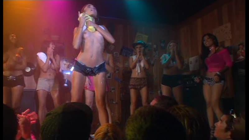 Эротическая сцена из сериала Тайны и секреты личной жизни студентов Секс универ 3x07 The Wet and the Wild only sex scenes