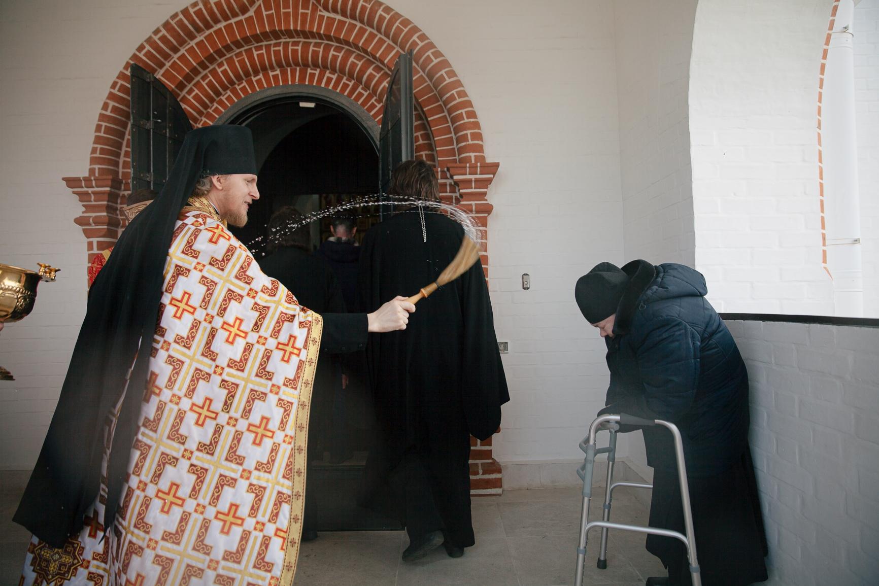 Варницкая обитель за торжественными богослужениями почтила память жен-мироносиц, изображение №6