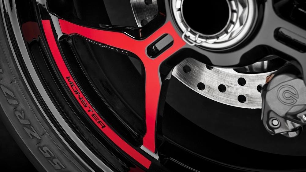 Нейкед Ducati Monster 1200S Black on Black 2020