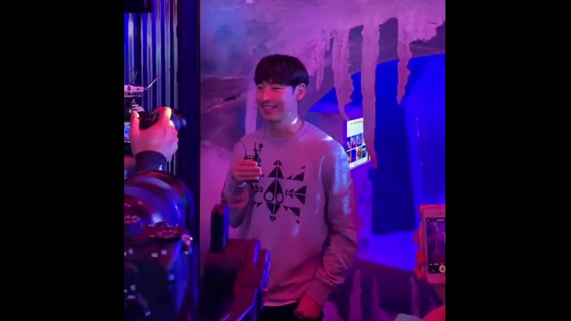07.08.2019 || Lee Je Hoon at MOOSE KNUCKLES store launch event [Gentle Baek]