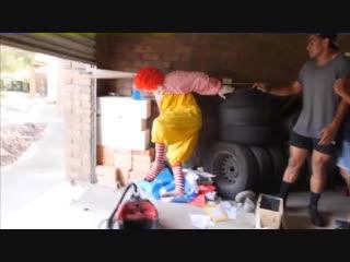 Ronald McDonald's EXTREME NEKNOMINATE! - Экстремальная пьянка Рональда МакДональда [Русская озвучка].mp4