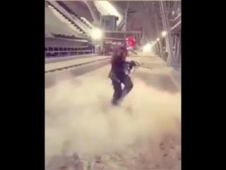 Дотанцевал на работу (6 sec)