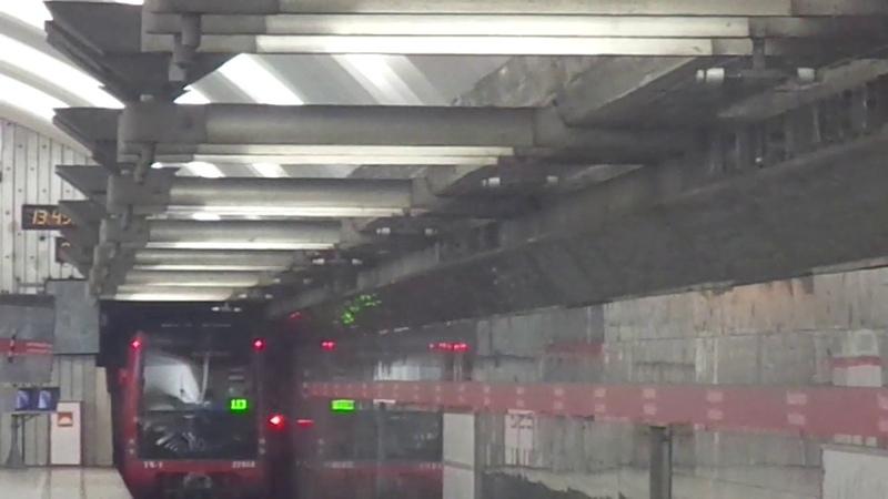 Метропоезд Санкт-Петербурга 9-169: метровагон 81-723.1 (ОЭВРЗ), б. 23066 - 1 линия (10.07.19)