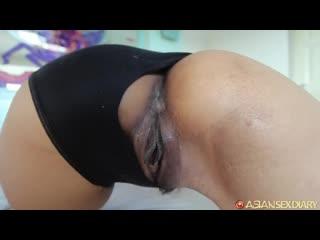 Тайской шлюхе отлизывают пиздень разрабатывают анус пальцами и ебут в очко волосатую пизду и рот от первого лица (pov,anal,анал)