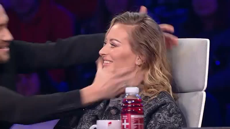 A sărutat o Mihai Bendeac pe Delia sau nu iumor