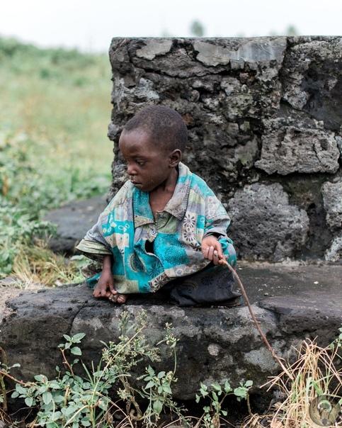 Крестовый поход детей: фоторепортаж из Демократической Республики Конго, где подростки учатся убивать Ч.-1Люк Деннисон 24-летний американский фотожурналист, чьи репортажи из Африки публикуют The